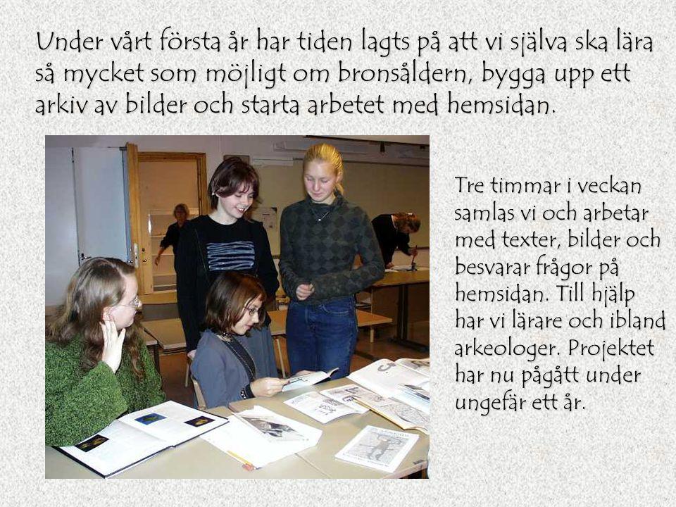 Tillsammans med vår arkeolog Lasse Bengtsson har vi besökt ett stort antal hällristningslokaler, gravfält och andra fornminnen. Vi har även varit med