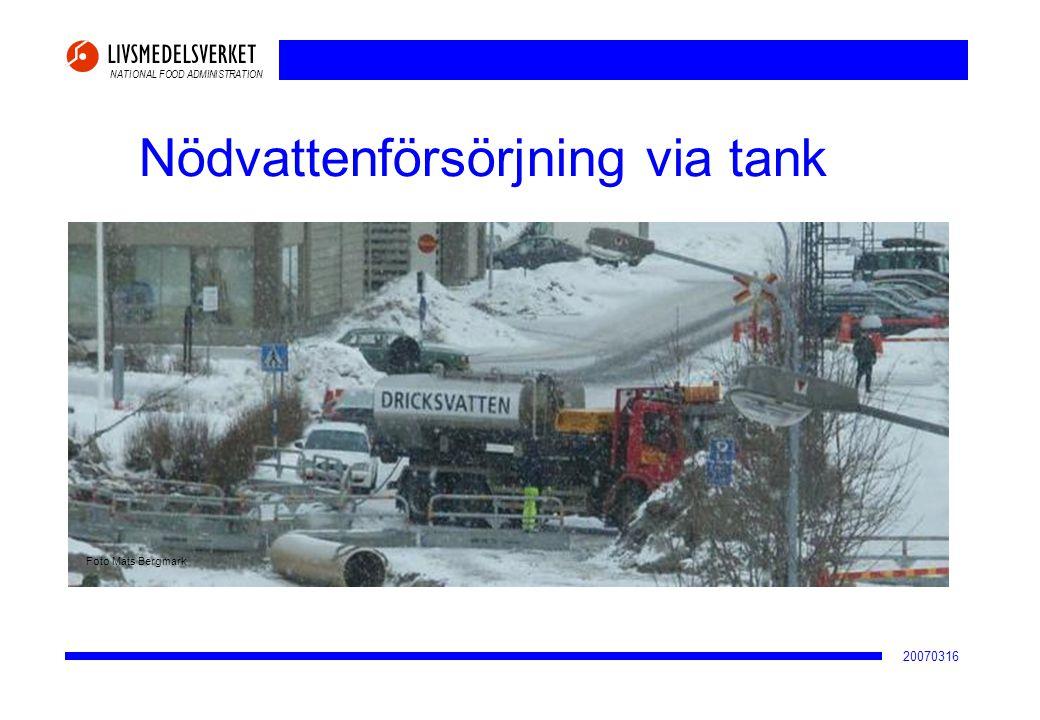 NATIONAL FOOD ADMINISTRATION 20070316 Nödvattenförsörjning via tank Foto Mats Bergmark