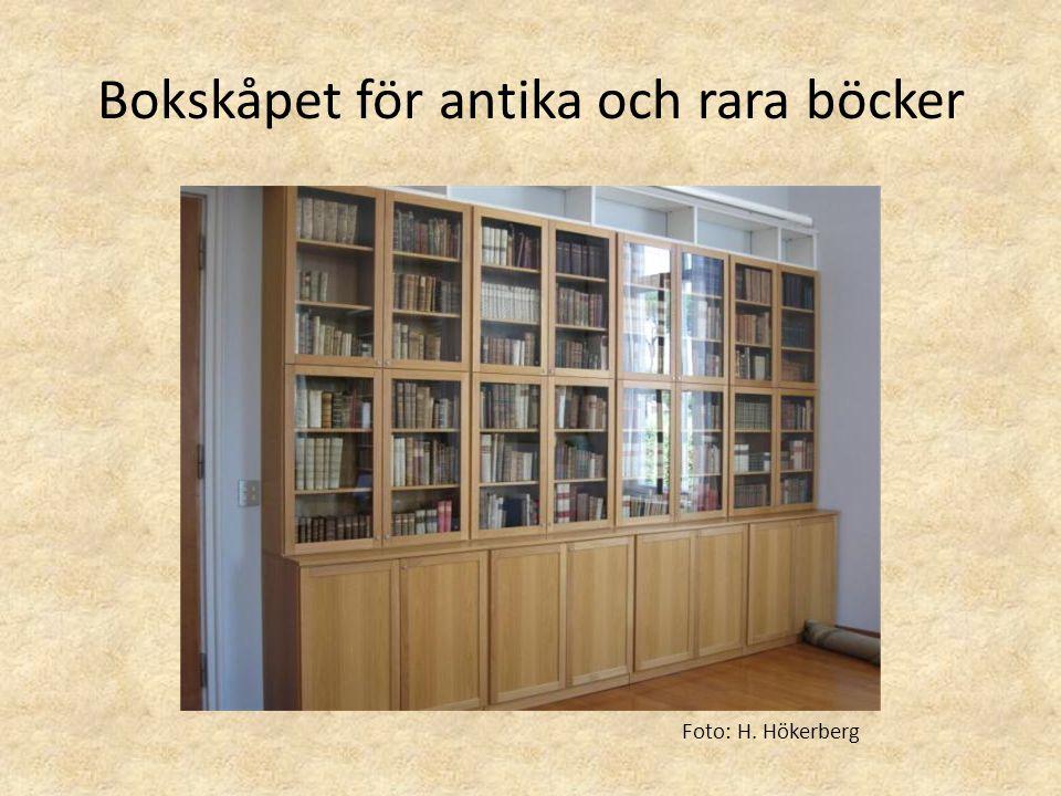 Bokskåpet för antika och rara böcker Foto: H. Hökerberg