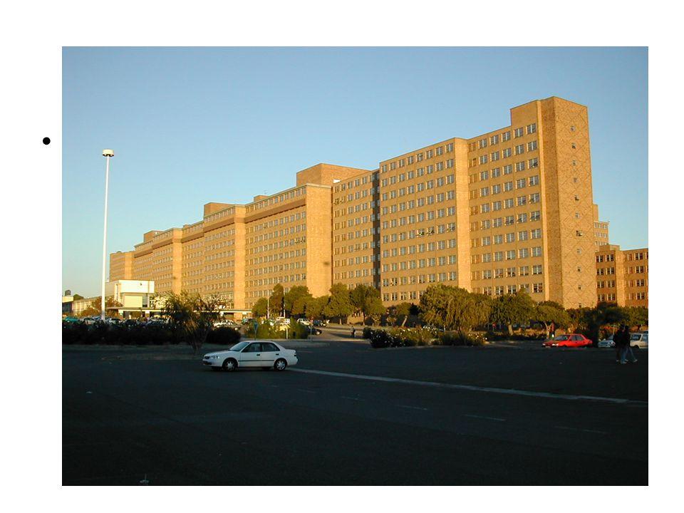 Tygerberg Hospital • TBH har något mer platser än Akademiska sjukhuset ca 1200 (varierar med bemaningen men sjuhuset är byggt för att ha 1800 platser) • TBH är ett Public Hospital, finns många privata alternativ i Kapstaden