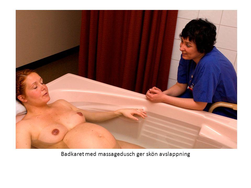 Badkaret med massagedusch ger skön avslappning