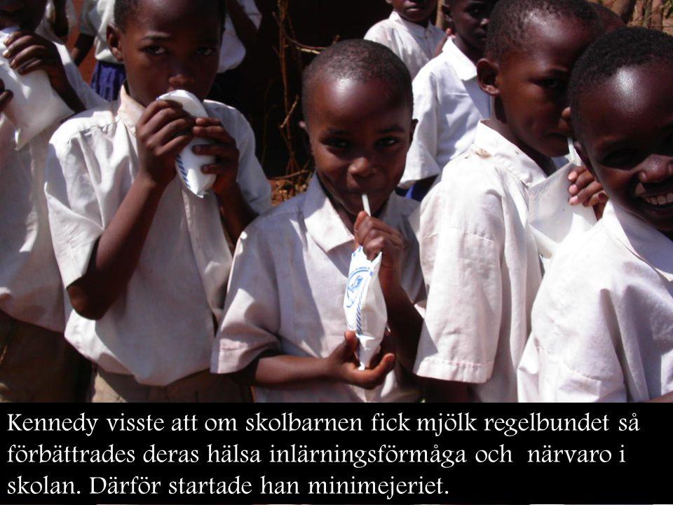 Kennedy visste att om skolbarnen fick mjölk regelbundet så förbättrades deras hälsa inlärningsförmåga och närvaro i skolan. Därför startade han minime