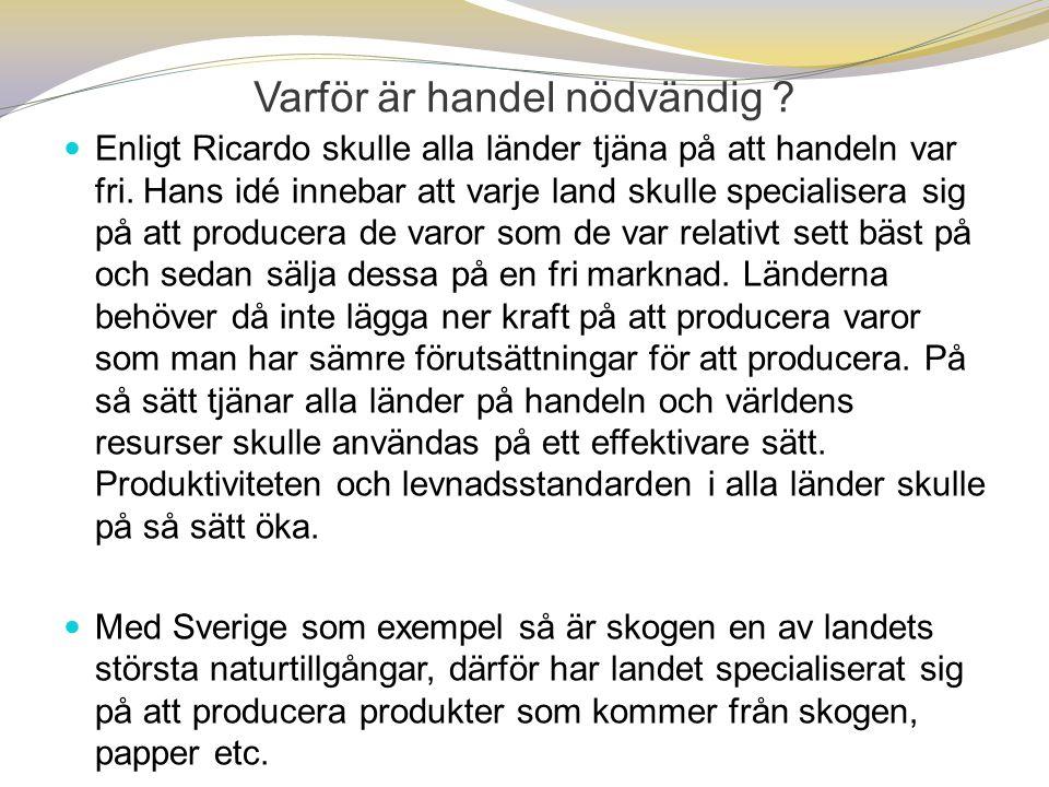 EU-kommissionen : I maj skrev kommissionen i en rapport att Sverige bör åtgärda de relativt höga lönerna i de lägre löneskalorna och skillnader i anställningsskydd mellan fast anställda och tillfälligt anställda. Vidare kritiserades den höga privata skuldsättningen i landet som gör Sverige sårbart för ett fall i bostadspriserna, en längre lågkonjunktur eller en kraftig höjning av realräntan.