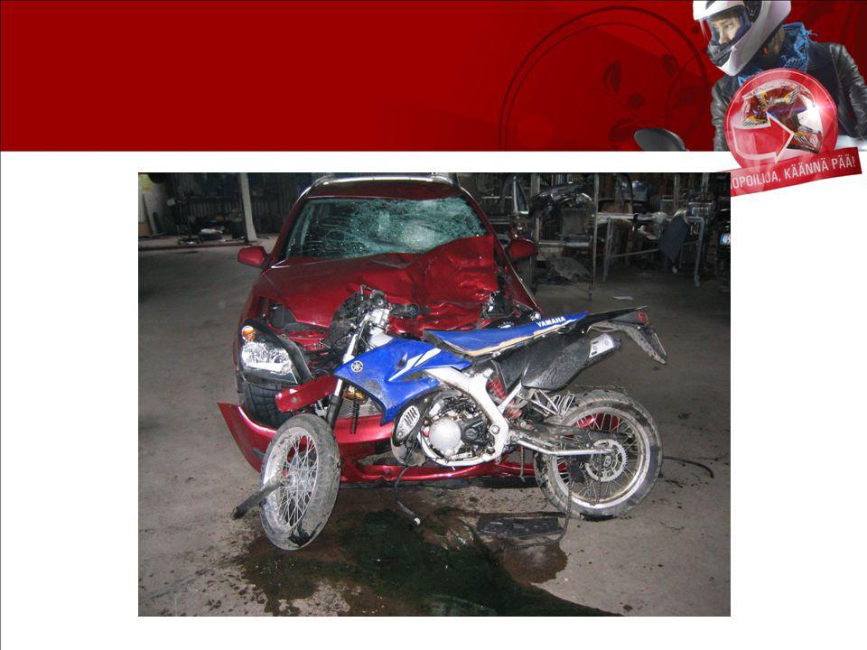 Antalet skadade mopedister är stort Omkomna och skadade mopedister i vägtrafiken 1996-2010 Källa: Statistikcentralen och Trafikskyddet.