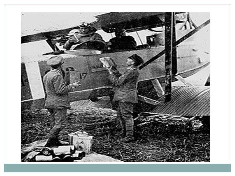  Svarta handen  Österrike-Ungern  Ryssland  Tyskland  Frankrike  Storbritannien  Nationalismen  Mordet på prins Ferdinan  Ställer orimliga krav, förlarar krig mot Serbien  Snabb med att mobilisera armé  Schlieffenplanen – oundvikligt stort krig.