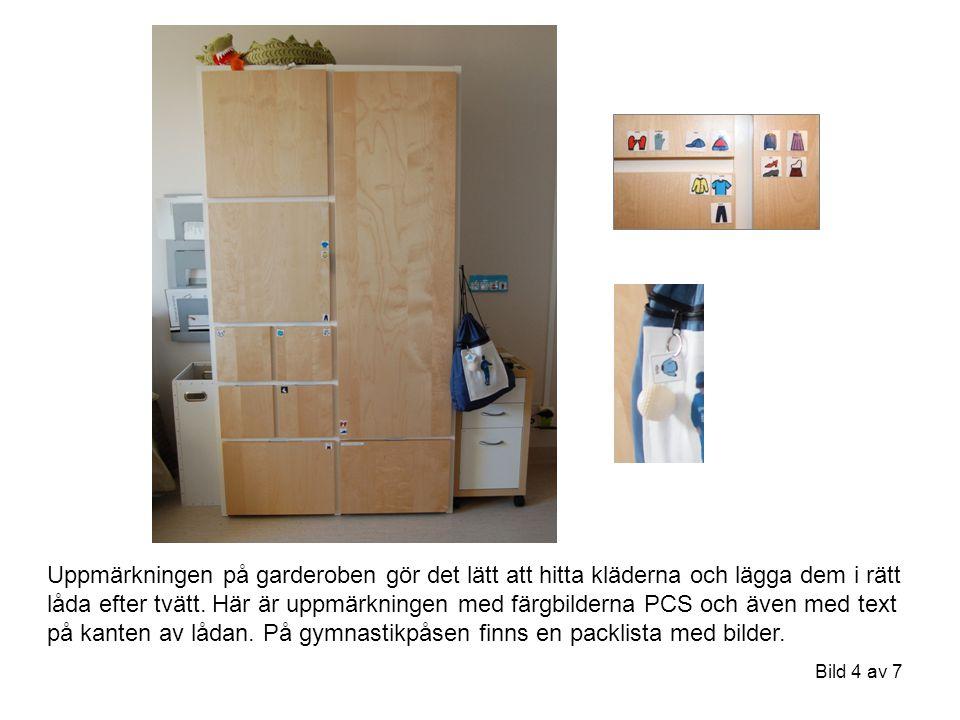 Bild 4 av 7 Uppmärkningen på garderoben gör det lätt att hitta kläderna och lägga dem i rätt låda efter tvätt. Här är uppmärkningen med färgbilderna P