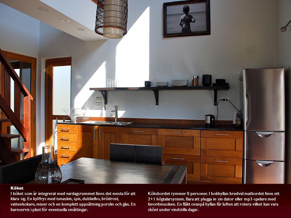 Köket I köket som är integrerat med vardagsrummet finns det mesta för att klara sig.