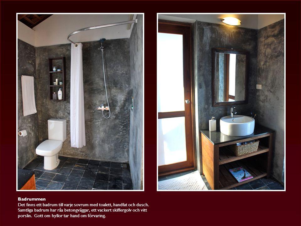 Badrummen Det finns ett badrum till varje sovrum med toalett, handfat och dusch.