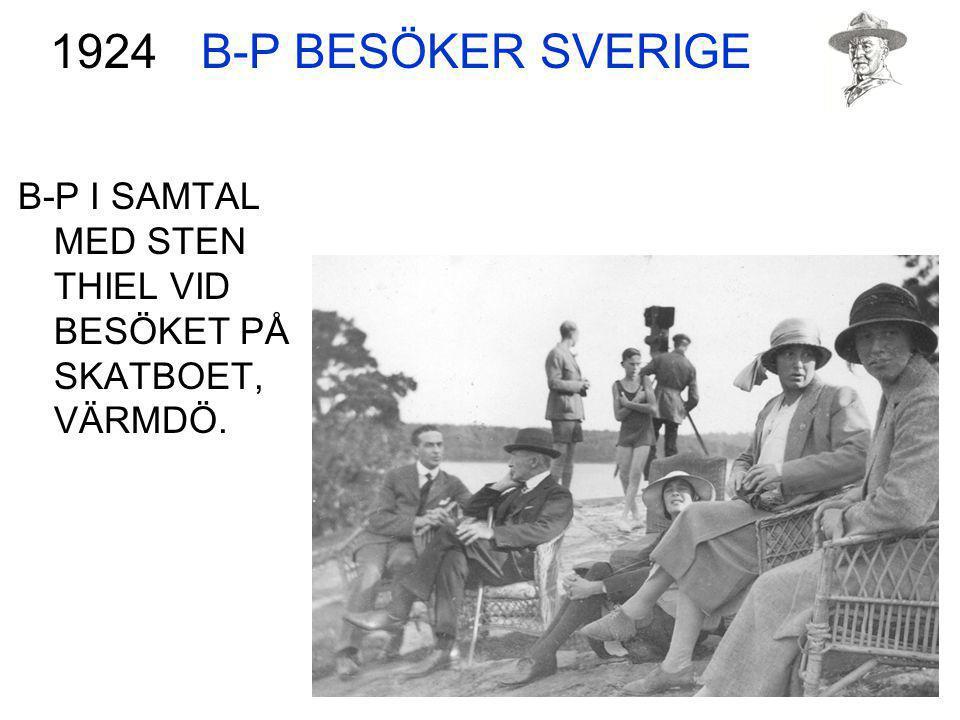 B-P BESÖKER SVERIGE B-P I SAMTAL MED STEN THIEL VID BESÖKET PÅ SKATBOET, VÄRMDÖ. 1924