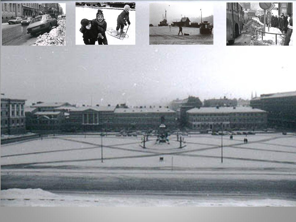 Uppvärmt centrum vinterväg Vinterstadens trafikstruktur Konventionell gata park and ski