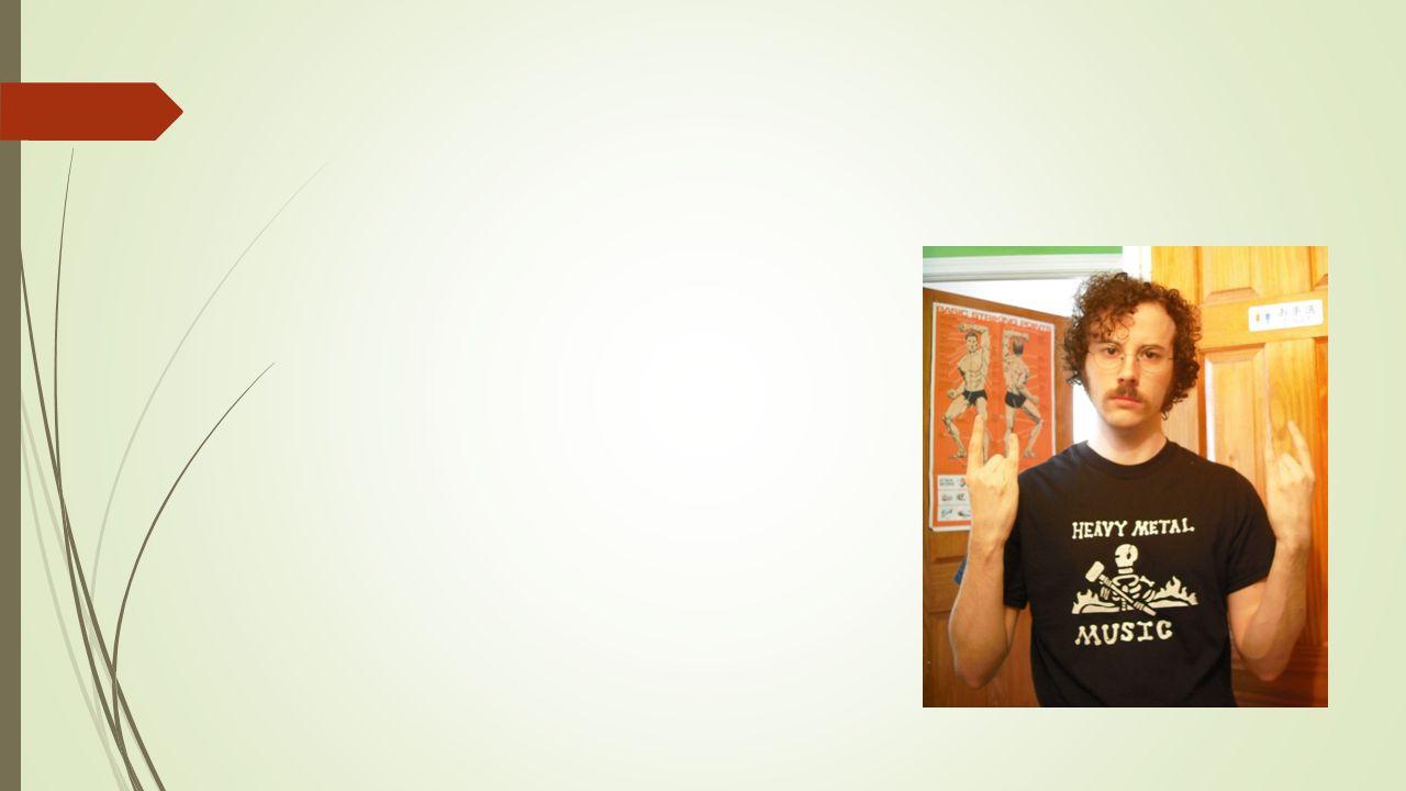 Marxistisk analys  Arbetare mot kapitalister  Den dominerande ideologin  Arbetet definierar oss  Alienation – lönearbete leder till att vi kommer bort från oss själva  Historisk materialism – bas och överbyggnad  Bas: vår sociala situation sätter ramar för vår situation  Överbyggnad: politik, juridik, kultur blir följder av basen