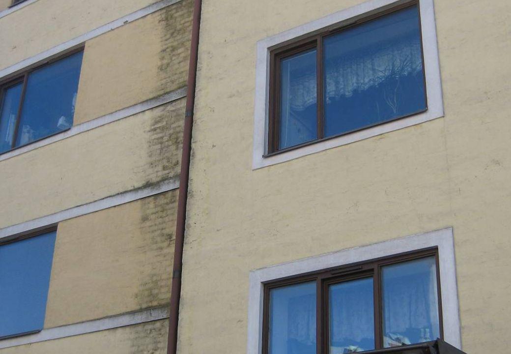 Fastigheter klassades • 1 p = dåliga fönster • 2 p = mycket dåliga fönster • 1 p = dålig fasad alternativt tak • 2 p = mycket dålig fasad alternativt tak • 1 p = andra yttre brister (per typ av brist) • 1 p = brister i trappuppgång