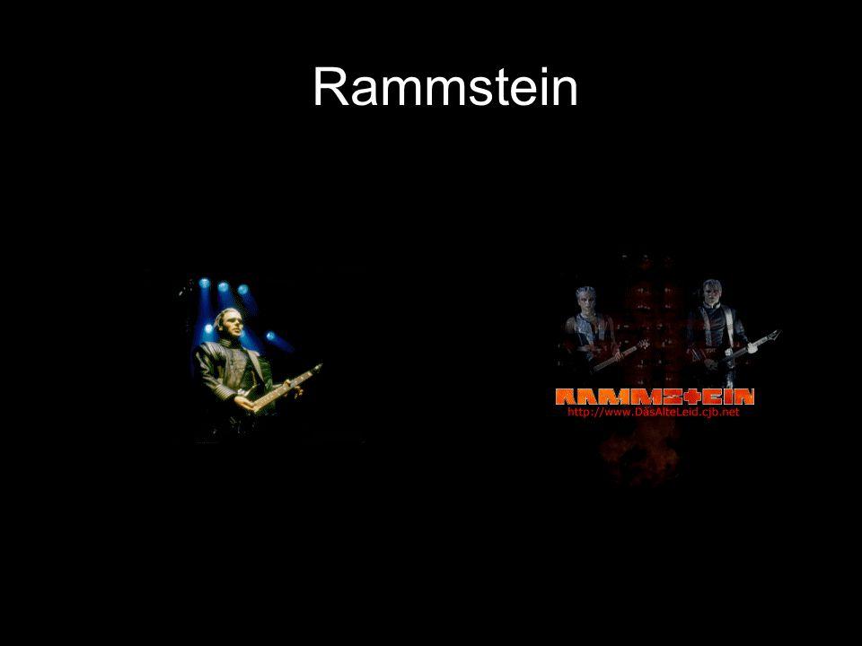 Spelning Sthlm Solnahallen •Jag och min kompis Johan mitt i gröten på en spelning som Rammstein röjde rejält på.