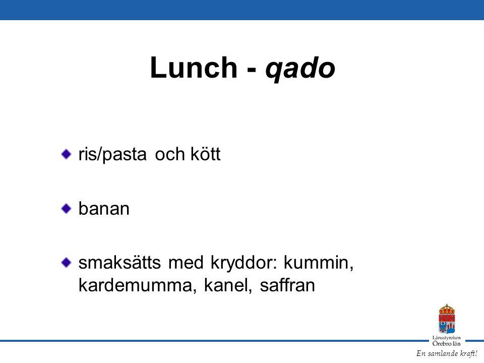 En samlande kraft! Lunch - qado ris/pasta och kött banan smaksätts med kryddor: kummin, kardemumma, kanel, saffran
