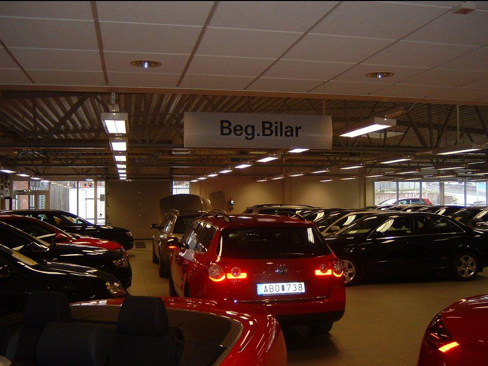 DIN BIL SÖDERTÄLJE Beg. hallen för liten, max ca 60 bilar inomhus, ca 90 Bil utomhus!