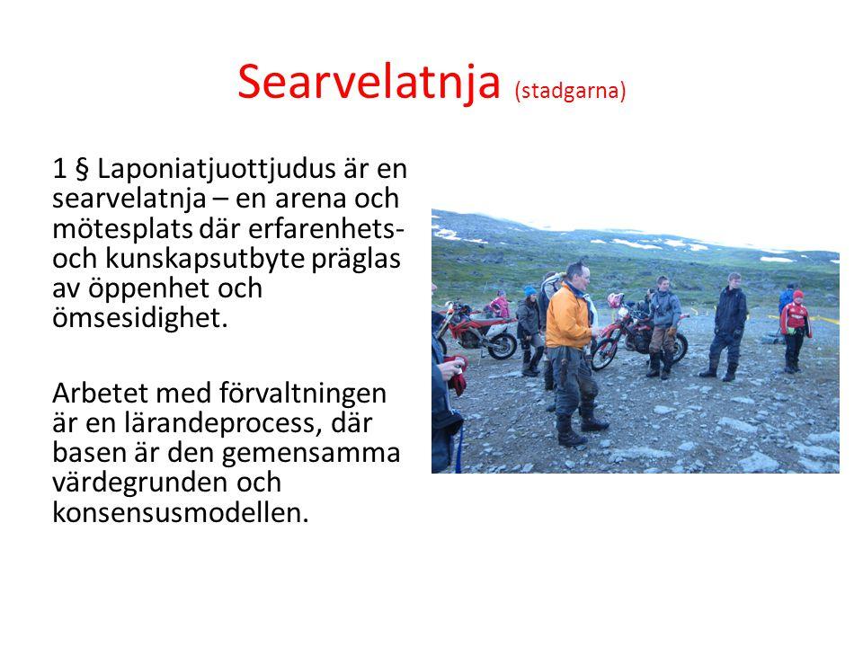 Rádeibme (sobbarstallan) – traditionell kunskap Traditionellt samiskt sätt att komma fram till och fatta beslut, en process där alla som har intresse kring en sak/företeelse samlas för samtal och förhandling mot gemensam ståndpunkt.