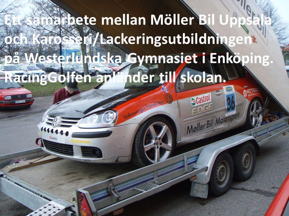 Erik Gillberg från Möller Bil Uppsala lastar av bilen.
