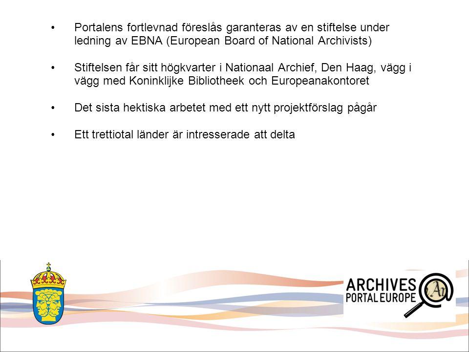 Arkiven anklagas ibland av Europeana och av Kommissionen att gå sin egen väg genom APEnet APEnet konsortiet anser att Europeana och Kommissionen inte förstår arkivens problematik och att man gör för lite för att skapa synlighet för arkivmaterial i portalen Det handlar naturligtvis om svårigheterna att implementera arkivens standarder i Europeanas datamodell