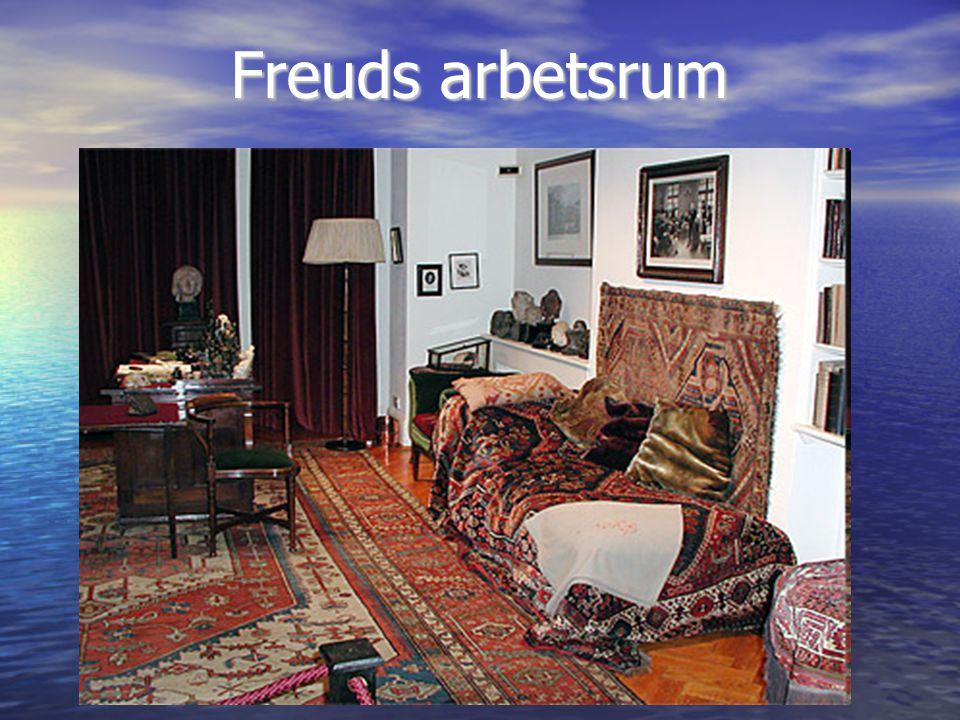 Dora – brottstycke av en hysterieanalys en 17-årig flicka som kommer till Freud på sin faders begäran.