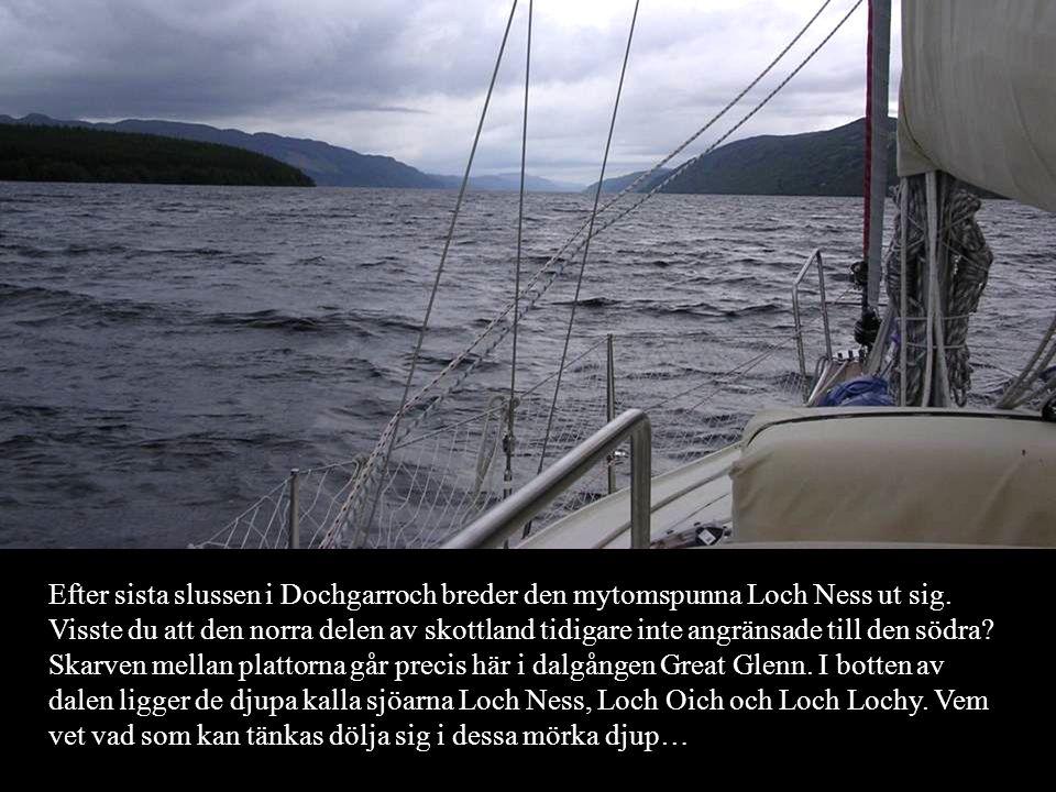 Efter sista slussen i Dochgarroch breder den mytomspunna Loch Ness ut sig.