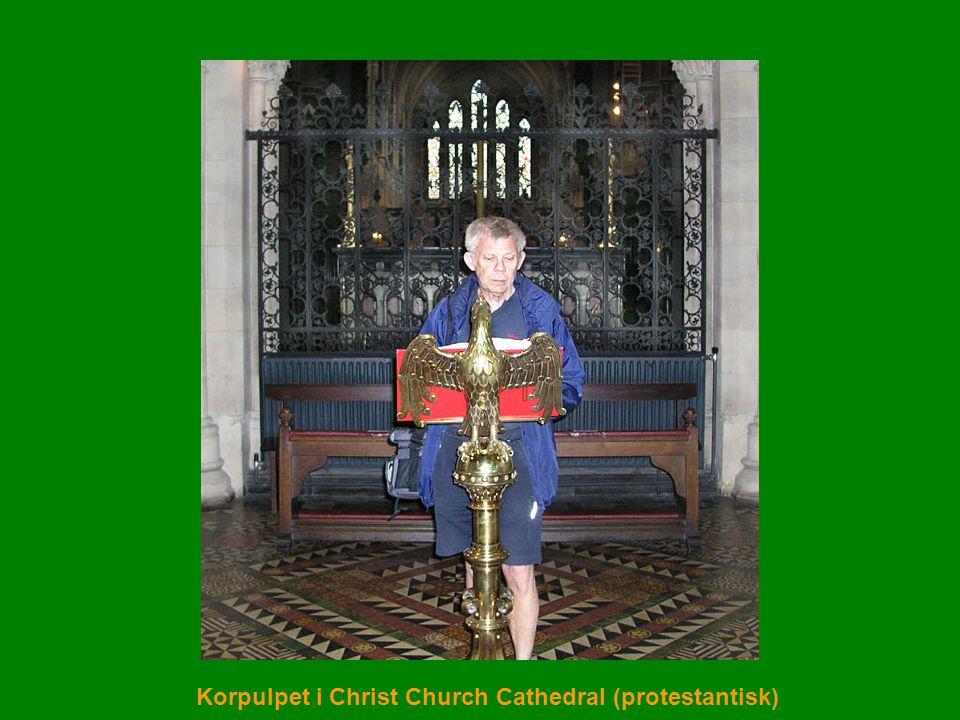 Korpulpet i Christ Church Cathedral (protestantisk)