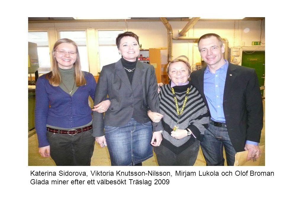 Katerina Sidorova, Viktoria Knutsson-Nilsson, Mirjam Lukola och Olof Broman Glada miner efter ett välbesökt Träslag 2009