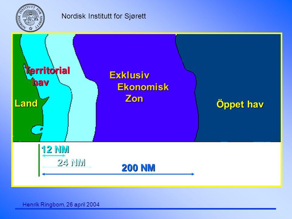 Nordisk Institutt for Sjørett Henrik Ringbom, 26 april 2004 Värdstat (Host State) (2) F Geografisk utveckling av begreppets användning: Endast cabotage (1998/81) Intra-EU transporter (1999/35) Alla reguljära transporter till eller från EU-hamn (2003/25) F Substans utveckling: Endast IMO regler (1998/81) Huvudsakligen IMO regler, men vissa tilläggskrav (1999/35) Regler som uttryckligen inte vidtogs av IMO (2003/25) F Havsrättslig utgångspunkt: Hamnstatens jurisdiktion F Betoning av serviceaspekten  GATS-regler aktuella