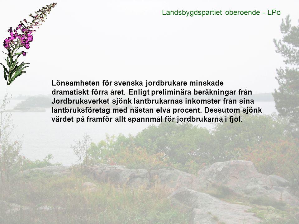 Lönsamheten för svenska jordbrukare minskade dramatiskt förra året. Enligt preliminära beräkningar från Jordbruksverket sjönk lantbrukarnas inkomster