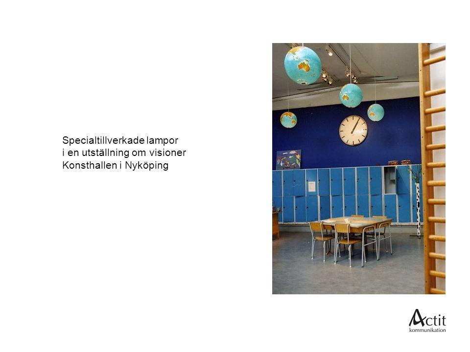 Specialtillverkade lampor i en utställning om visioner Konsthallen i Nyköping