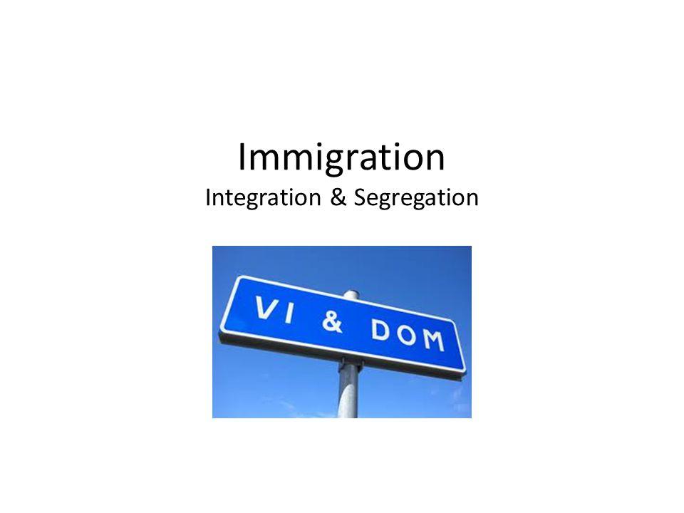 Invandrare = en person som har för avsikt att stanna i Sverige i minst tolv månader, har uppehållstillstånd/ uppehållsrätt och folkbokför sig i landet.